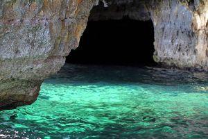 cave-1841175__480
