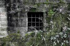 window-closed-by-a-lattice-1474446200ppw.jpg
